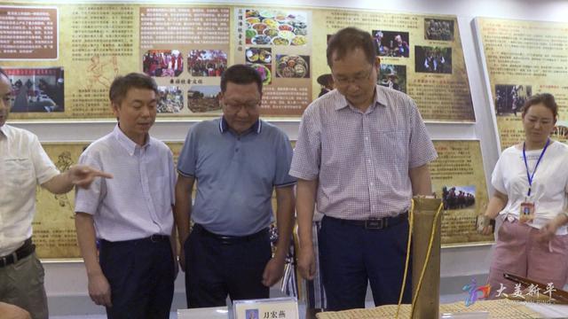 市政协到我县调研文化建设指标完成情况 (6).jpg