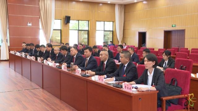 县第十三次党代会举行主席团第六次会议2.JPG